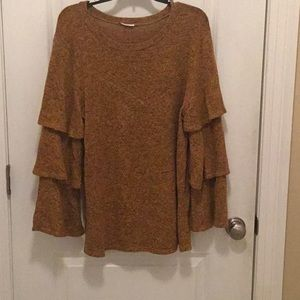 Soft sweater with tiered sleeves